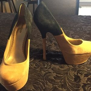 Bebe heels size 9 taupe and black